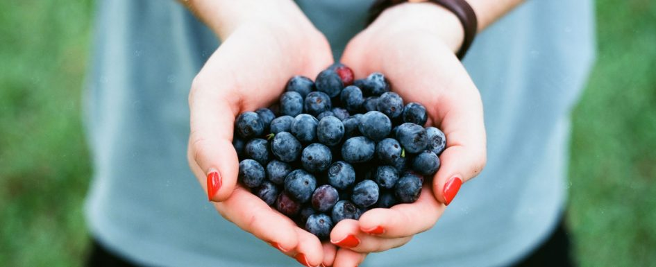 rebuild collagen with fresh berries