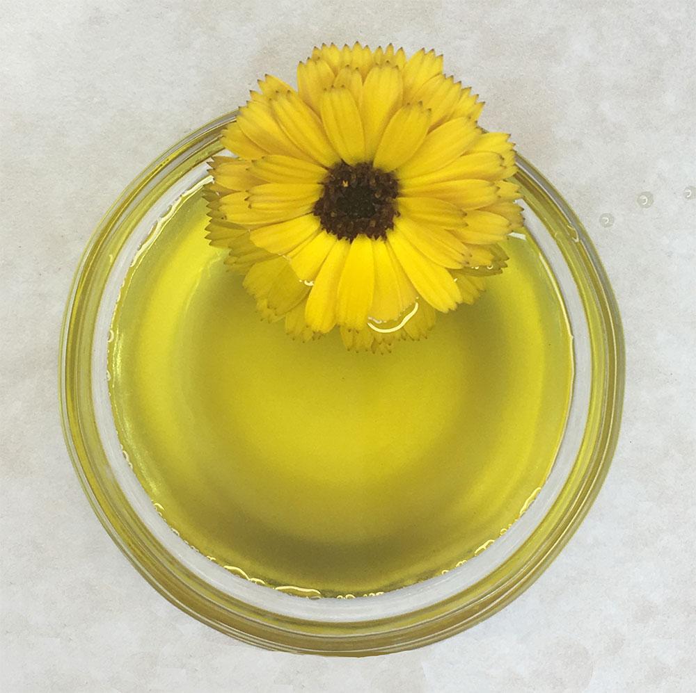 Golden Calendula Oil